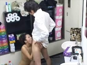 【素人 盗撮】解雇決定!!キャバ嬢とボーイが控室でSEXする様子を隠しカメラがとらえた動かぬ証拠