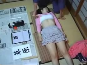 【素人 個人撮影】書道教室で美少女に怒った悲劇…先生に処女を奪われる一部始終