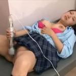 【素人 盗撮】いまいちエッチが気持ちよくない女の子にオナニー指導する変態医師の隠し撮り映像