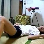 【無修正・個人撮影】 体操着にブルマ、白パンツの女子校生との怪しすぎるハメ撮りが見つかる・・・!