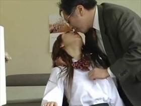 【素人 盗撮】万引で捕まった娘が生意気な顔して実は従順なドM女だった