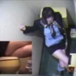 【素人盗撮】こんなオナニー初めて見た!スッチーがトイレで足を組んでよじらせて喘ぐ