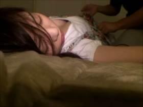 【個人撮影】酒に酔って眠る嫁とのSEXを無断撮影してネットに投稿!泥酔しながらもビクンと反応する嫁の姿がエロい||夫婦個人撮影,ハメ撮り,個人撮影,夫婦,泥酔,熟睡,素人
