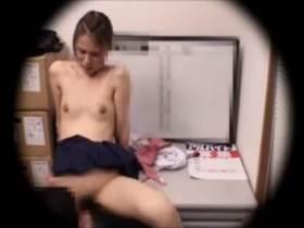 【素人盗撮】貧乳の女子高生が万引き見つかって店長に手籠めにされる様子の一部始終||盗撮その他,微乳,盗撮,素人,美少女