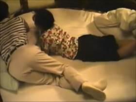 【素人盗撮】回転ベッドにはしゃぐ人妻が不倫相手との情事に耽る生々しいラブホ流出映像||カップル盗撮,カップル,不倫,人妻,流出,熟女,盗撮,素人