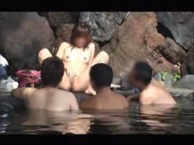 【個人撮影】彼女を混浴の露天風呂に投入して男達の反応を撮影してるちょっと頭おかしい映像