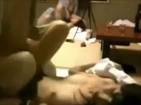 【個人撮影】奥さん綺麗すぎるんだけど!酒飲んでスワッピングしてる夫婦2組の変態っぷりがヤバい素人映像