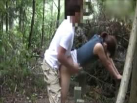 【個人撮影】人気のない公園で撮影された素人不倫カップルの投稿映像がヤバい!…やりたい放題のバカップル