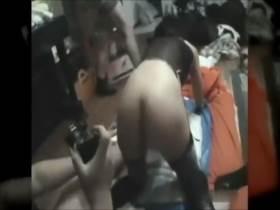 【個人撮影】泣いちゃってる!?媚薬が効きすぎて潮漏らしながら逝きまくる人妻がヤバい乱交映像