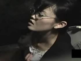 【素人盗撮】おしっこ後のウォシュレットに反応!クソ真面目そうな眼鏡OLが体をビクビクさせて逝く自慰