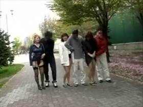 【個人撮影】初見の3夫婦が入り乱れて乱交してる撮影会の様子がリアルで激エロい!嫁同士のレズプレイまで