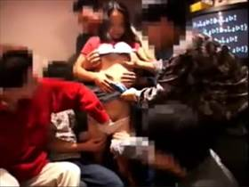 【個人撮影】新歓コンパの記録映像がヤバい!酒飲んで1人の女性を男達が輪姦してる乱痴気騒ぎが流出してる件