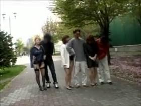 【個人撮影】スワップ愛好者の夫婦達がこちら!ただの交換では飽き足らず乱交になってる様子を撮影して投稿