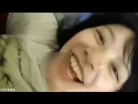 【個人撮影】嬉しそうにはしゃいでる彼女が可愛い!素人カップルが記念に撮ったエッチが2人とも顔出しで誤流出