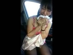 【個人撮影】呼んだらすぐ来てくれるビッチな可愛い女の子!車でフェラで性欲処理してくれる姿をそのまま流出
